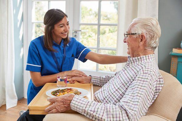 Blogartikel für Pflegekräfte zum Thema Schluckstörungen/Dysphagie